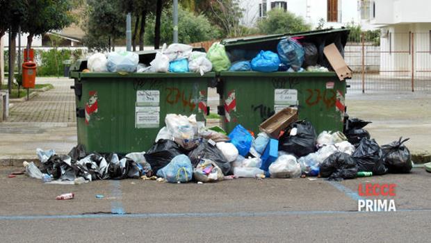 Il risveglio domenicale choc in un distretto invaso di cumuli di rifiuti